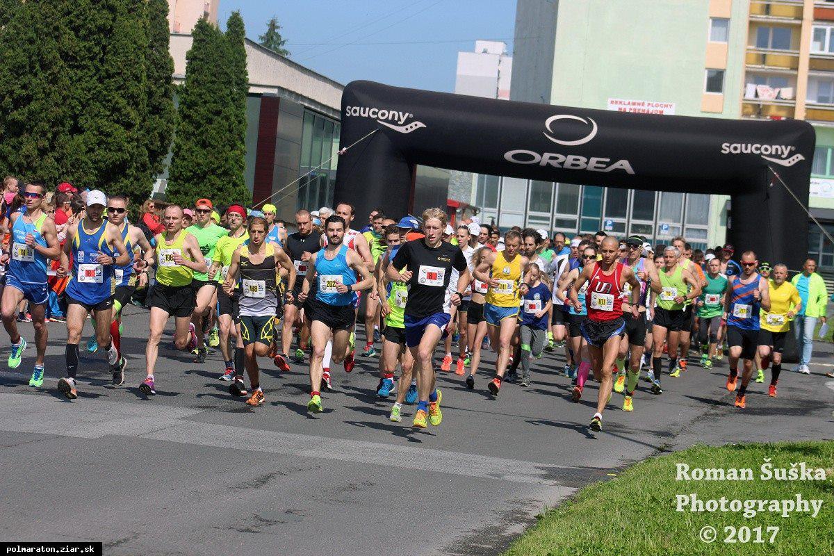 Víťazmi Žiarskeho mestského polmaratónu 2017 sa stali Sahajda a Gudaková